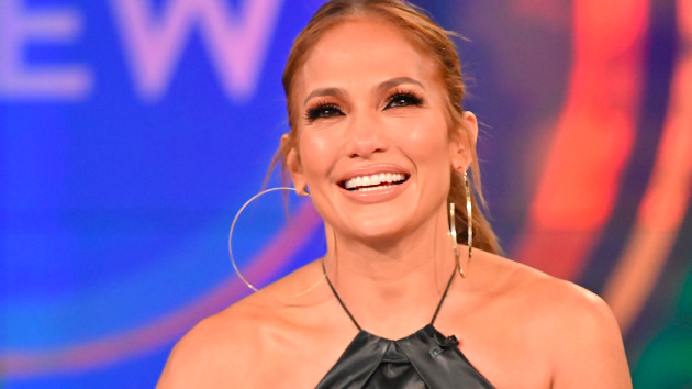 Jennifer Lopez teams up with fiance Alex Rodriguez to beg fans to stay home